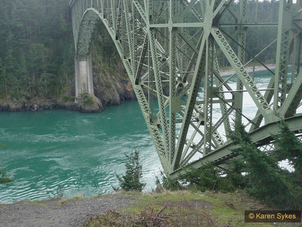 Viewpoint under the Deception Pass bridge
