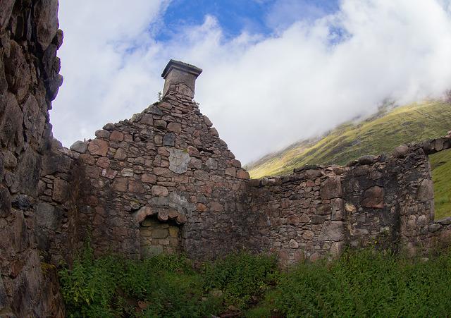 2-abandoned-cottage-kinclochleven